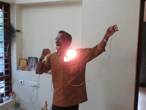 human electrical conductors raj mohan nair l uomo immune all elettricit 224 salute le news pi 249 strane