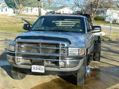 sell used 2002 dodge ram 3500 cummins diesel 4x4 6 speed manual flatbed slt low miles in willow