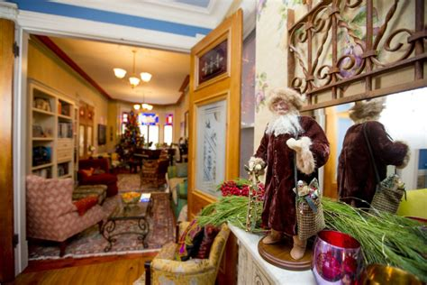 pictures of christmas decorations in homes christmas decorations hit their heights toronto star