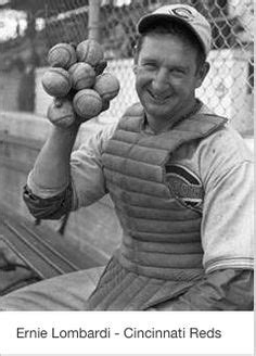 johnny bench 7 baseballs johnny bench and then wife vickie chesser in 1975