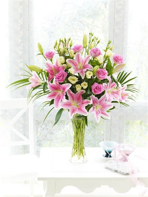 flowers for mothers day mothers day flowers from interflora ireland