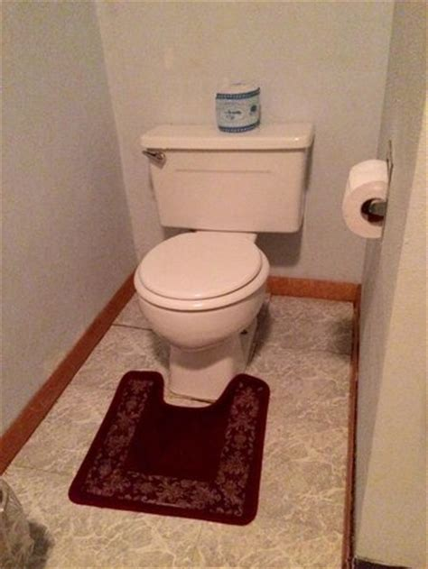 Rug Around Toilet by Gross Carpet Around Toilet Picture Of Empire Motel