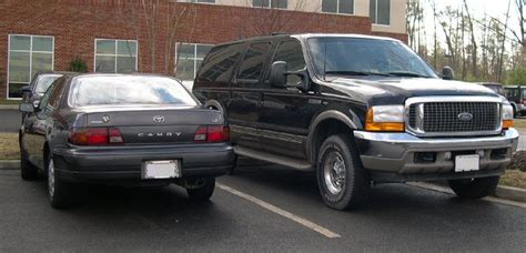 Toyota Excursion File Ford Excursion And Toyota Camry Jpg Wikimedia Commons