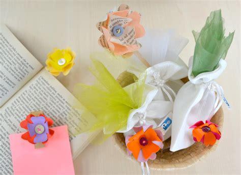 fiori decorativi per bomboniere come fare dei fiori di carta decorativi per bomboniere