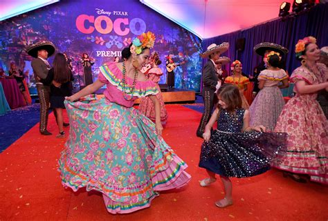 coco extra scene red carpet premiere and review of disney pixar s coco