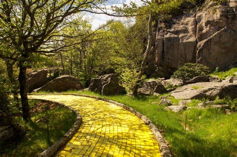 land of oz theme park land of oz abandoned amusement park bizarro