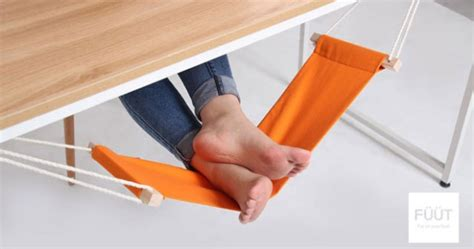 foot hammock for desk fuut desk foot rest a hammock for your feet technabob