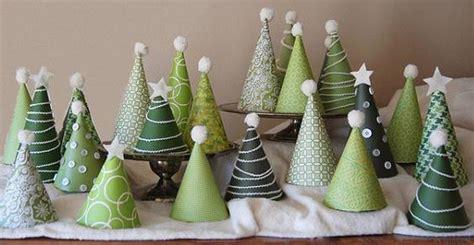 small christmas tree memes 10 mini alberi di natale a costo zero dal riciclo creativo greenme