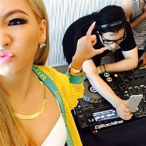 skrillex in the studio 2ne1 s cl goofs off with skrillex in the studio soompi