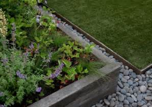 hardscaping 101 metal landscape edging gardenista