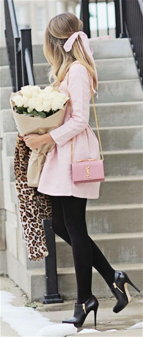 Skirt Legging Black pink skirt with black and black heels pictures