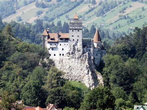dracula castle draculas castle by kmygraphic on deviantart