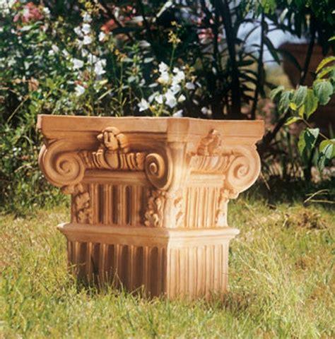 ornamenti da giardino prodotti ornamenti da giardino capitello