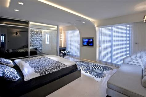 Creative Bedroom Lighting Creative Ceiling Designs With Lighting Effects Creative Things