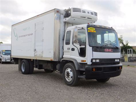 2000 used gmc t series 22ft reefer truck with lift gate