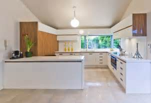 wood and white modern kitchen interior design ideas