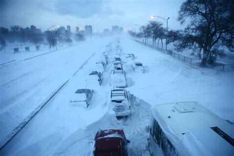 Worst Blizzard Ever Recorded by Lake Shore Drive Freezes Over Bad Lsd Trip
