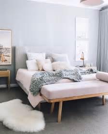 Cushion Headboard Ideas by Best 25 Cushion Headboard Ideas On Tufting Diy Condo Bedroom And Classic Bedroom Decor