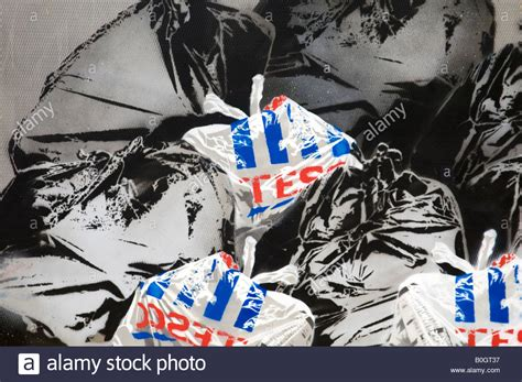 the gallery for gt graffiti banksy stock photos banksy stock images alamy