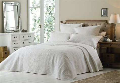 White Quilted Bed Throw by Luxury Quilted Bedspread Embroidered Bed Duvet Quilt Cover