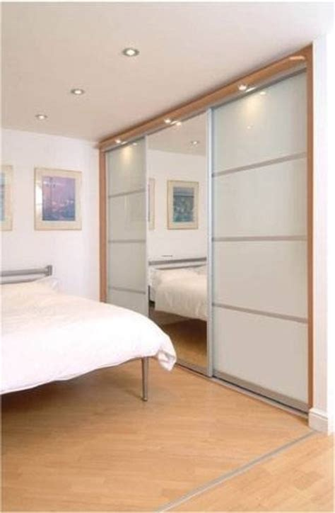 Bedroom Fitted Wardrobe Doors by Bedroom Wardrobes Fitted Bedroom Wardrobes Sliding Doors
