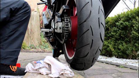 Motorrad Kette Reinigen by Motorrad Kette Reinigen Sauber Machen Fetten