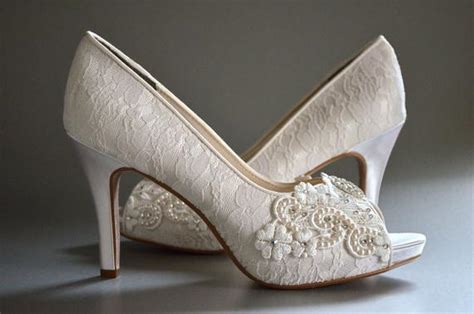 chagne colored wedding shoes lace wedding shoes womens wedding shoes bridal shoes