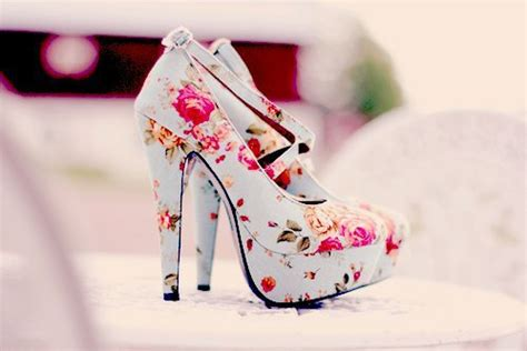 pretty flower shoes fashion floral flower print high heels pretty image