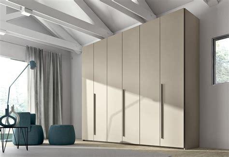 White Kitchen Furniture opening closets vedi cucine
