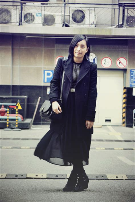 black zara coats black white striped jaket sweaters black bags white baby jans quot winter