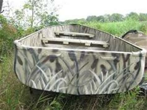 spray paint duck boat camo spray paint camouflage boat google search crafts