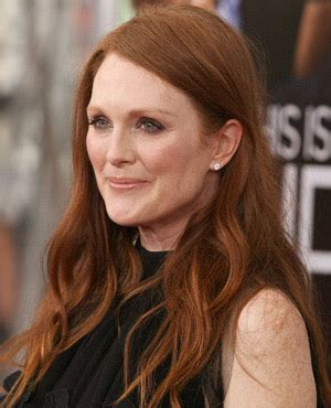 what is julieanne moores real hair color julianne moore hair color julianne moore relaxed waves