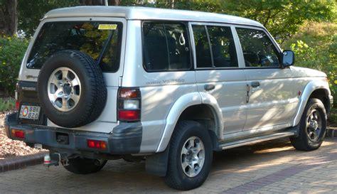 mitsubishi shogun 2000 file 1999 2000 mitsubishi pajero nl escape wagon 01 jpg