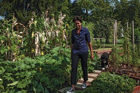 Steal This Look Michelle Obama S White House Garden Obama Vegetable Garden