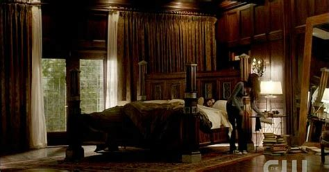 stefan salvatore bedroom i want this bedroom or at least the bed is the main thing