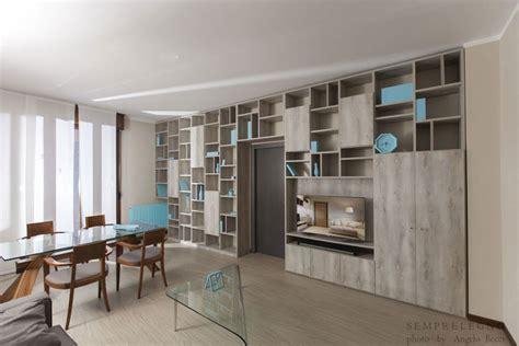 mobili soggiorno su misura arredo open space soggiorno e zona pranzo con libreria quot a