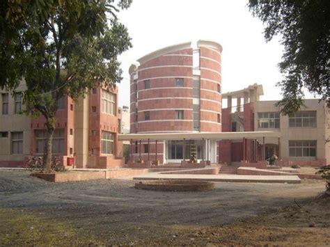 best architecture schools in india top 10 architecture colleges in india careerindia