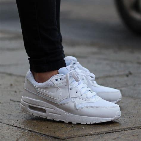 imagenes nike blancas zapatillas mujer nike blancas