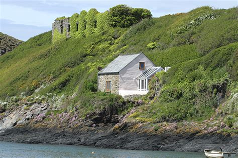 doves cottage abercastle 3 star holiday cottage in