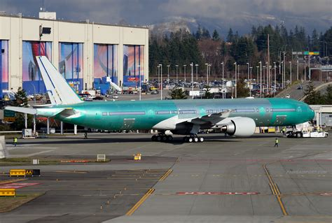 united airlines returns to paine field with new services airways united airlines 777 n2645u at paine field