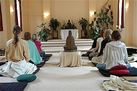 gaia house about meditation retreats gaia house