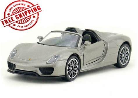 Diecast Welly Porsche 918 Spyder Putih welly 1 36 scale diecast porsche 918 spyder nm02b128 ezmotortoys