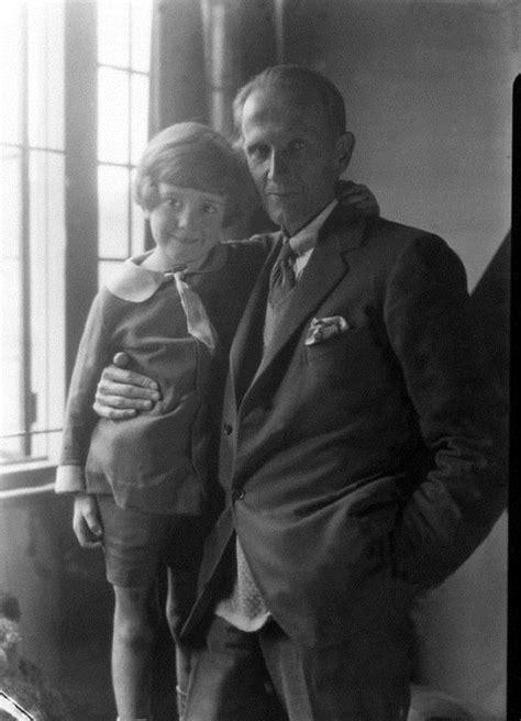 Christopher Robin Milne in 1928 - Barnorama