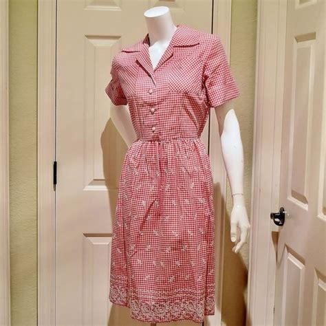 design lab red gingham dress vtg 1950s red gingham chekerboard dress with white cross