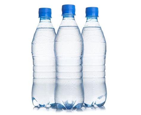 desain kemasan botol air mineral hati hati air mineral berasa seperti air kelapa bisa