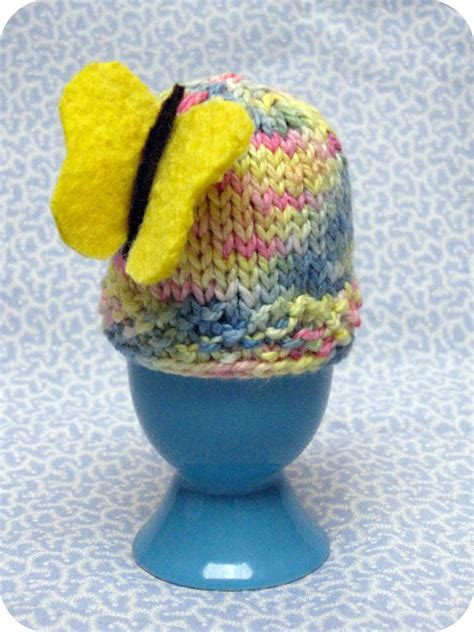 knitted egg cosy pattern knitted easter egg cozy pattern tutorial suburbia