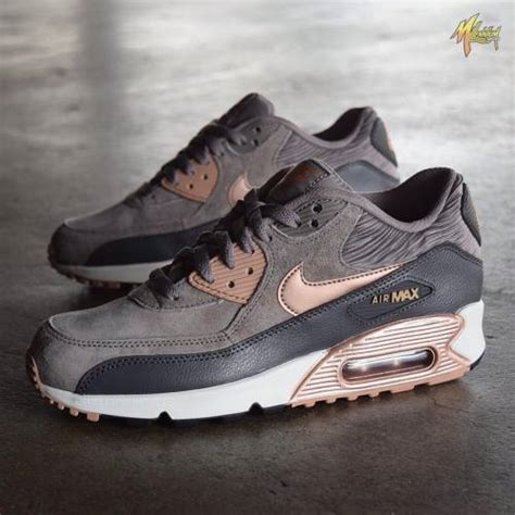 Maxy Gold 2 In 1 by Nike Air Max Gold