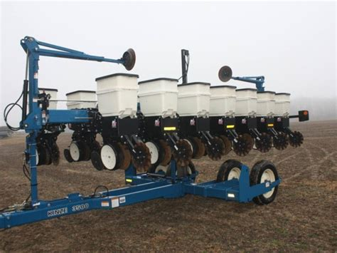 Kinze Planter by Kinze 3500 8 15 Planter