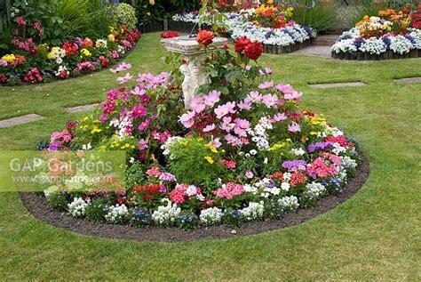 gap gardens colourful  garden  borders filled