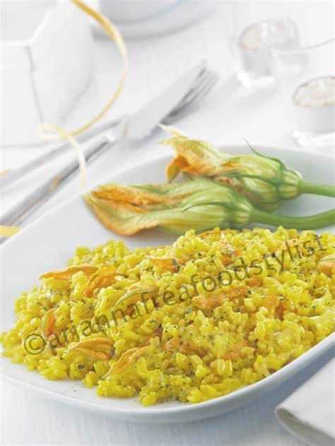 risotto con fiori di zucca bimby risotto allo zafferano con fiori di zucca
